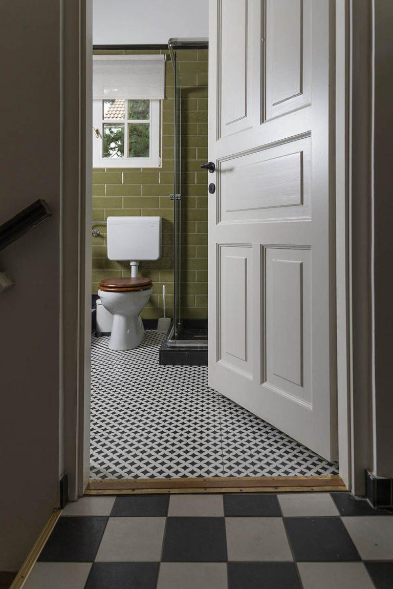 FOT_0618-toilet-bejarat-1.jpg