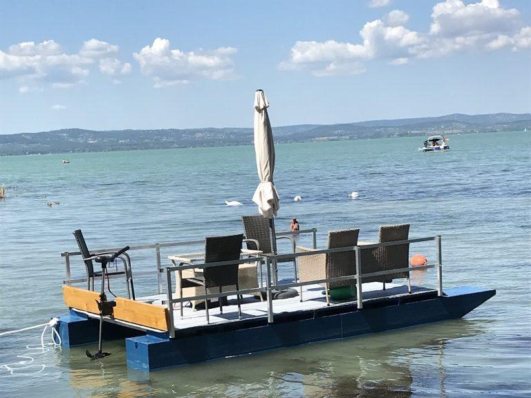 Balaton, közvetlen vízparti nyaraló