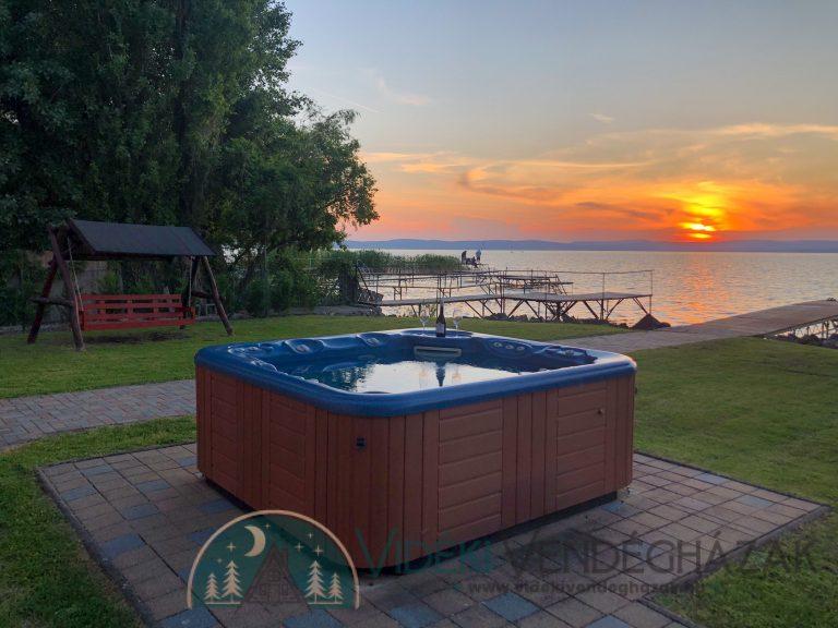 Lakeside_Vintage_Villa_1.jpeg