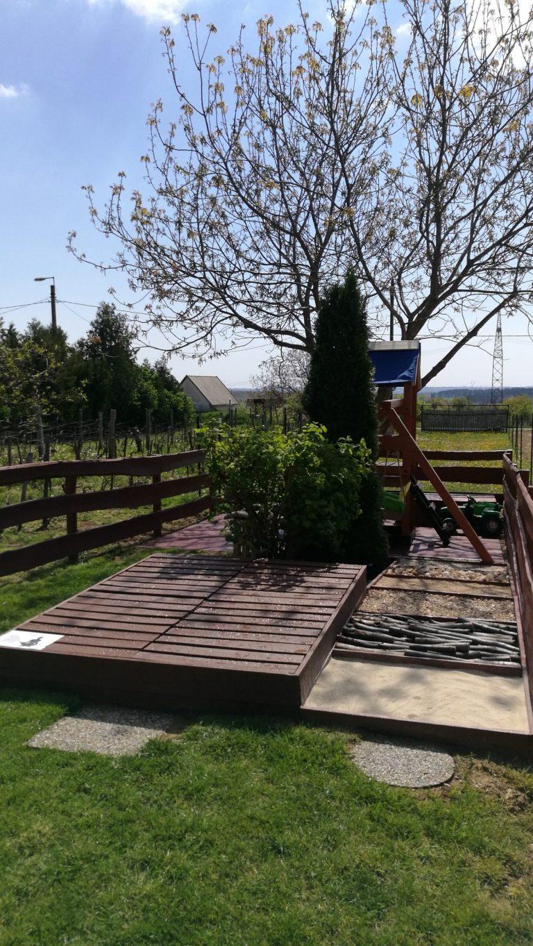 Relaxterasz-es-mezitlabas-mini-park-scaled-1.jpg